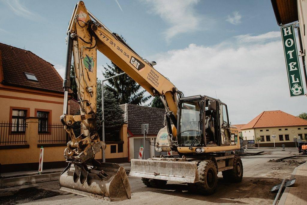Kolové otočné rypdlo CAT M316D | MV Přeprava – nákladní přeprava, demoliční práce, zemní práce, zpracování odpadu