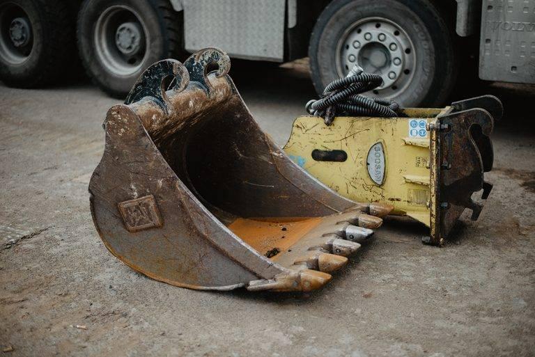 MV Přeprava – nákladní přeprava, demoliční práce, zemní práce, zpracování odpadu