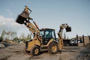 Traktobagr CAT 432 F | MV Přeprava – nákladní přeprava, demoliční práce, zemní práce, zpracování odpadu